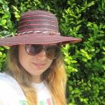 Ako pomôcť svojim vlasom pri slnečných lúčoch