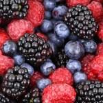 Rýchle zdravé smoothie z lesného ovocia bez cukru