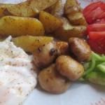 Rýchly recept: šampiňóny so zemiakmi, vajíčkom a zeleninkou
