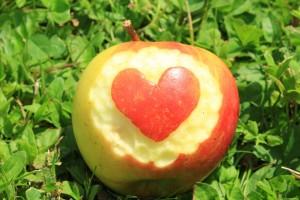 jablčko srdce dobre na tlak prirodne potraviny